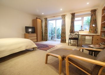 Thumbnail Studio to rent in Cleveland Square, London