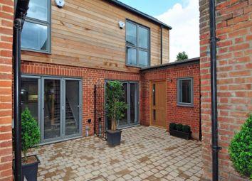 Peels Yard, Kings Road, Henley-On-Thames RG9. 2 bed mews house