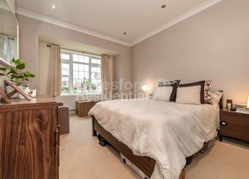 Thumbnail 3 bed flat to rent in Knights Hill, London