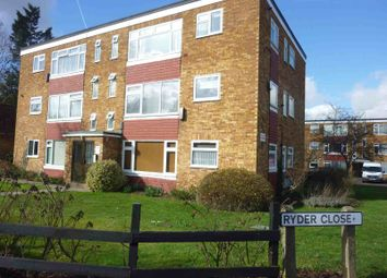 2 bed flat to rent in Coldharbour Lane, Bushey WD23