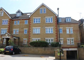 Thumbnail 2 bed flat to rent in Birdhurst Road, South Croydon