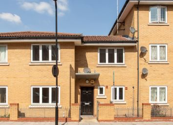 Thumbnail 2 bed detached house for sale in Felstead Street, London