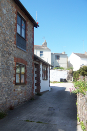 Thumbnail 2 bed cottage to rent in Hartop Road, Torquay