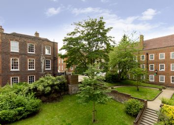 Thumbnail 2 bed flat to rent in Well Walk, London