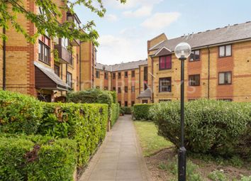 1 bed flat for sale in De Beauvoir Place, Tottenham Road, London N1