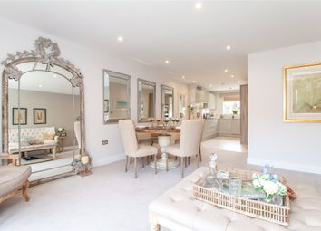 4 bed end terrace house for sale in Church Street, Crowthorne, Berkshire RG45