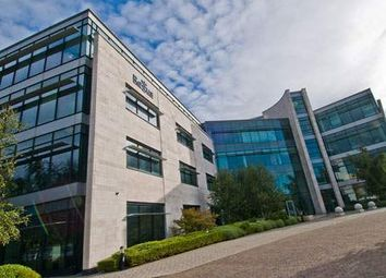 Office to let in Manchester Buisness Park, 3000 Aviator Way, Wythenshawe. Manchester. 5Tg. M22