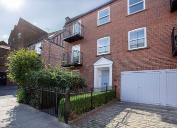 Thumbnail 2 bed flat to rent in St. Andrewgate, York