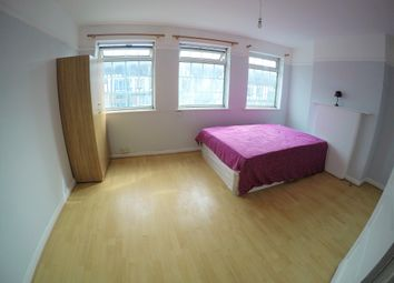 Thumbnail 4 bedroom shared accommodation to rent in Russell Hill Road, Purley