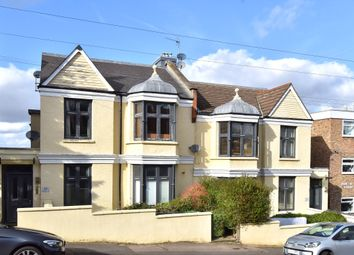 Thumbnail 1 bed flat to rent in Canonbie Road, London
