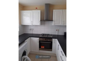 Thumbnail 2 bed flat to rent in Bay Court, London