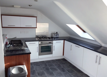 2 bed flat to rent in Wright Street, Hull HU2