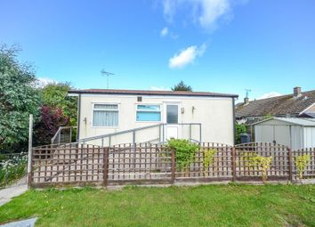 2 bed mobile/park home for sale in Dursley Vale Park, Cam, Gloucestershire. GL11