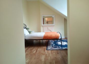 1 bed flat to rent in Fairlop Road, London E11