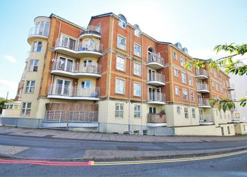 Thumbnail 2 bed flat for sale in Grantley Heights, Kennet Side, Reading