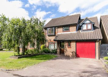 Thumbnail 4 bed detached house to rent in Hazelhurst, Horley