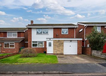 3 bed detached house for sale in Glenfield Close, Aylesbury HP21
