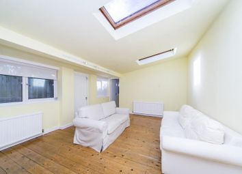 Thumbnail 1 bed flat to rent in Alexandra Road, Kew