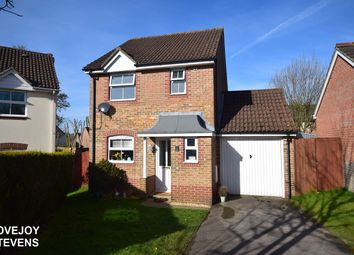 Thumbnail 3 bed detached house to rent in Middleton Court, Newbury