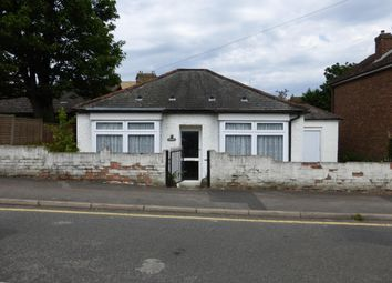 Thumbnail 3 bedroom bungalow to rent in Bosanquet Road, Hoddesdon
