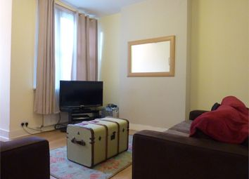 Thumbnail 3 bed flat to rent in Tooley Street, London
