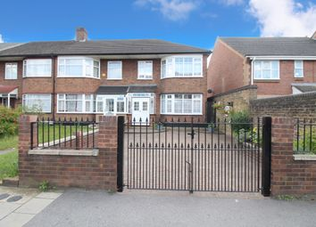 High Road, Chadwell Heath, Essex RM6. 3 bed end terrace house