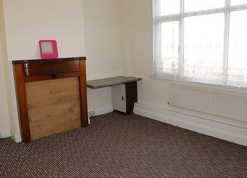Thumbnail 4 bed flat to rent in Kenton Road, Kenton