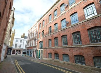 Thumbnail 1 bed flat to rent in Bank Street, Gravesend