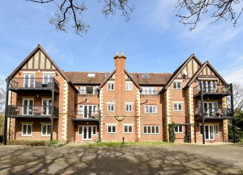 Thumbnail 3 bed flat to rent in Chaucer Avenue, Weybridge