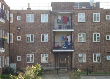 Thumbnail 2 bed flat to rent in Oriel Road, London