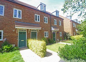 Staples Close, Broadbridge Heath, Horsham RH12. 3 bed terraced house