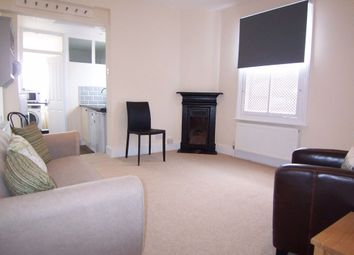 Thumbnail 1 bed flat to rent in Park Road, East Molesey