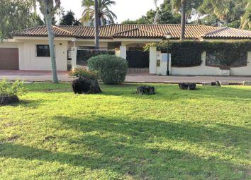 Thumbnail Villa for sale in Estepona, 29680, Spain
