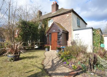 Thumbnail 2 bed town house for sale in Hollymeoak Road, Coulsdon