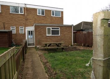 Thumbnail 2 bedroom flat to rent in Portfields Road, Newport Pgnell, Buckinghamshire