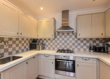 Thumbnail 2 bedroom flat to rent in Denning Road, Hampstead