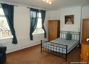 Thumbnail 2 bed flat to rent in Northfield Avenue, Ealing, Northfields