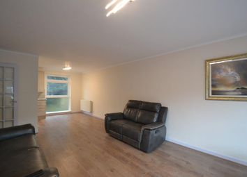 4 bed property to rent in Lanark Close, Ealing W5
