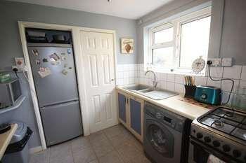 Thumbnail 2 bedroom flat to rent in The Brambles, Salisbury