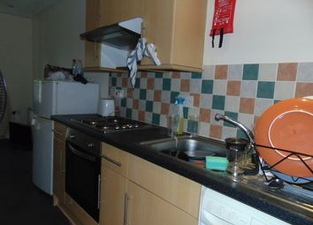 Thumbnail 2 bed flat to rent in Langhorn Road, Southampton
