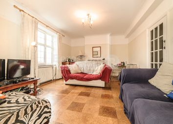 Thumbnail 3 bed flat to rent in Kings Avenue, London