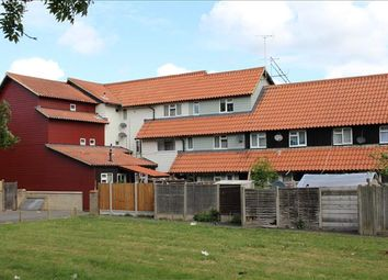 Thumbnail 2 bedroom flat for sale in Littlebury Green, Basildon