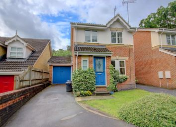 Thumbnail 3 bedroom link-detached house for sale in Queens Ride, Crowthorne