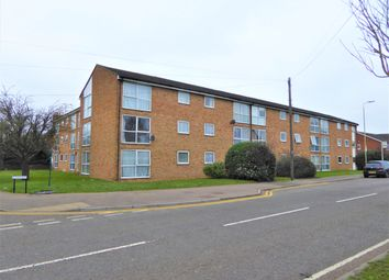 Thumbnail 1 bed flat to rent in Meadow Close, London Colney, St.Albans