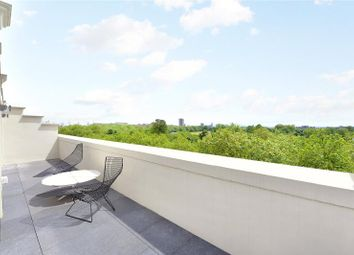 Thumbnail 2 bedroom flat for sale in Hyde Park Place, Hyde Park