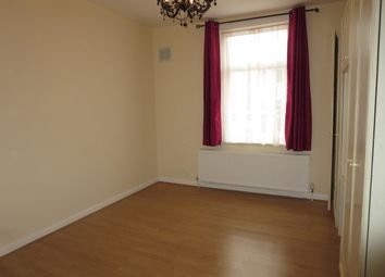 Thumbnail 2 bed flat to rent in Frognal Avenue, Harrow