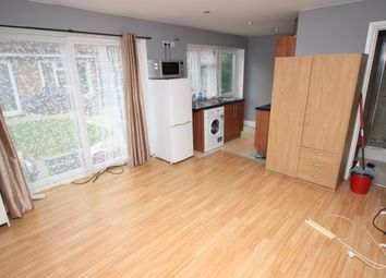 Thumbnail 1 bed terraced house to rent in Northfield Road, Heston