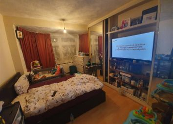 3 bed property to rent in Camrose Avenue, Edgware HA8