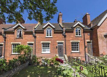 3 bed property for sale in Medfield Street, London SW15