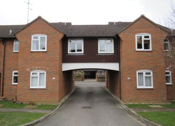 Thumbnail 2 bed flat to rent in Victoria Road, Marlow